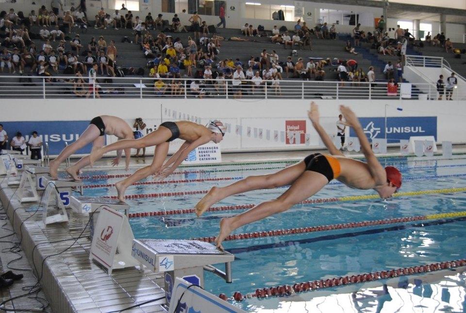 Dez atletas de Concórdia no Brasileiro de Natação