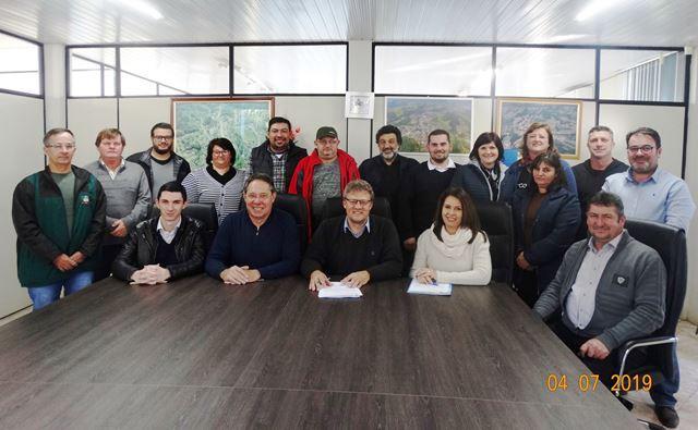 Prefeitura de Ipira consegue quase R$ 5 milhões para recuperação de  área de deslizamento