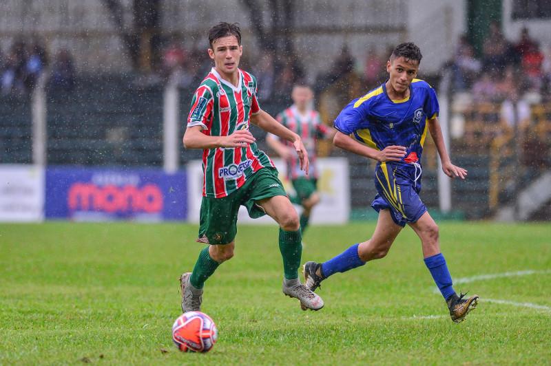 Sub-15 empata na primeira partida da semifinal da Copa SC