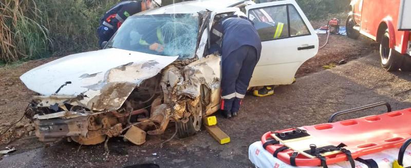 Acidente entre carro e caminhão em Concórdia deixa homem preso às ferragens