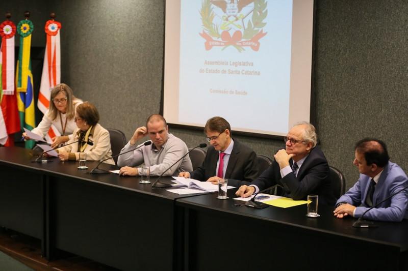 Servidores temporários da saúde terão contratos prorrogados