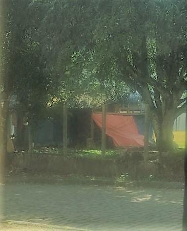 Índios acampam no campo da comunidade e Três de Outubro terá que jogar no bairro Salete
