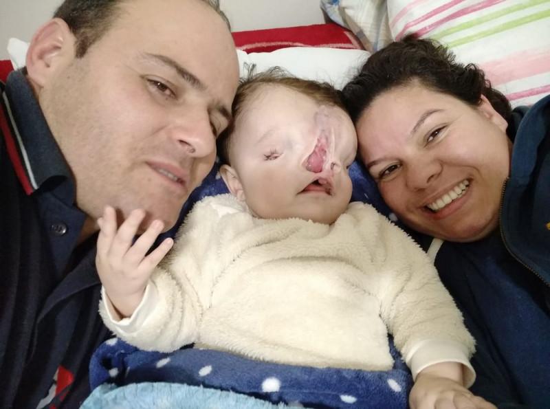 Ex-jogador Zico entra na campanha para ajudar bebê de Concórdia