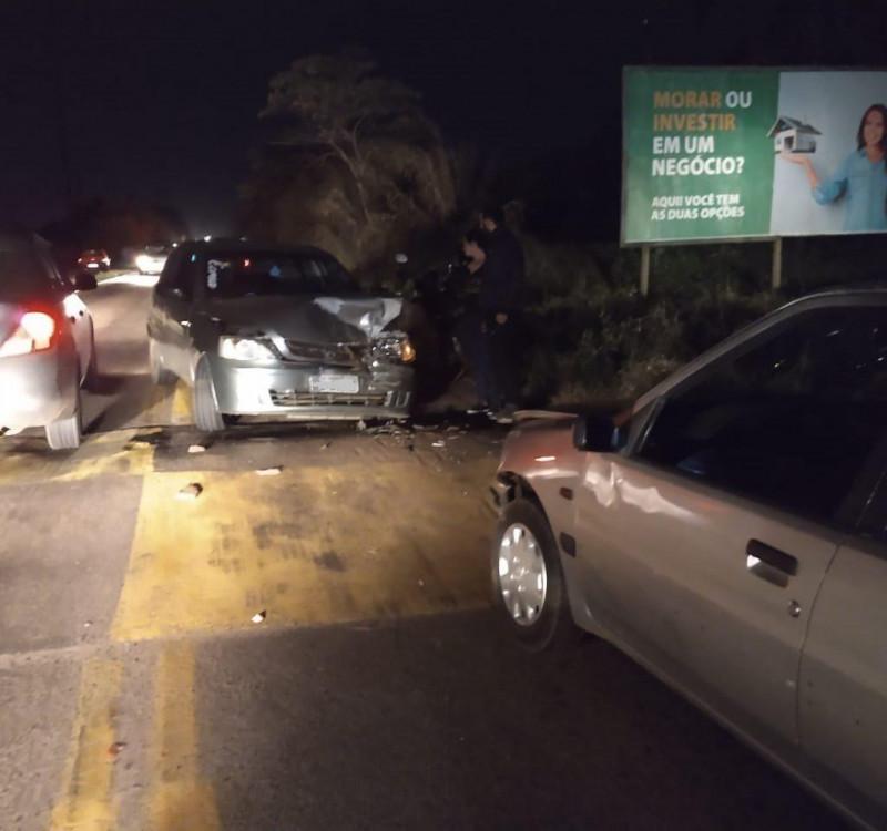 Veículo de Concórdia se envolve em colisão na SC 283 em Chapecó