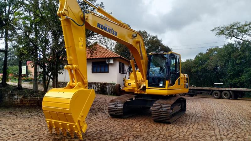 Administração de Itá adquire nova escavadeira hidráulica