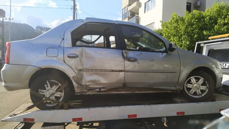 Homem é preso após sofrer acidente com carro furtado em Seara