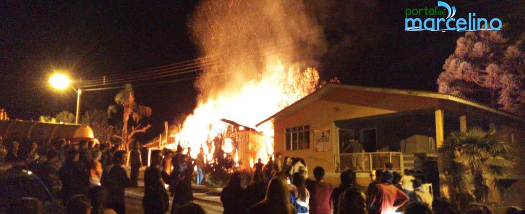 Três casas são queimadas na madrugada de sábado em Maximiliano de Almeida