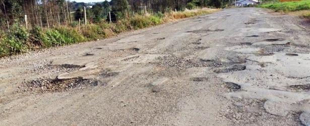 Prefeitura de Piratuba lança licitação para recuperação de parte do asfalto de acesso à Usina