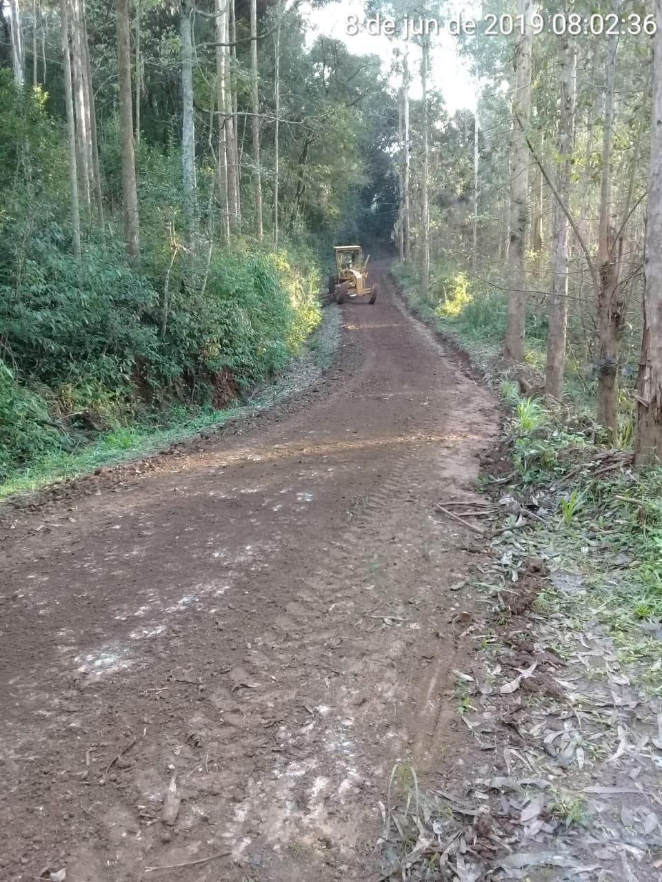 Lindóia do Sul recupera grande parte das estradas do interior estragadas pelas chuvas