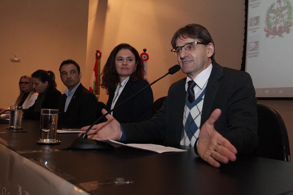 Saretta quer estudo para implantação de políticas públicas para setor leiteiro