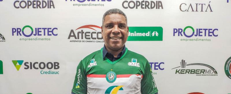 Celso Rodrigues vai ser o técnico do Galo do Oeste em 2020