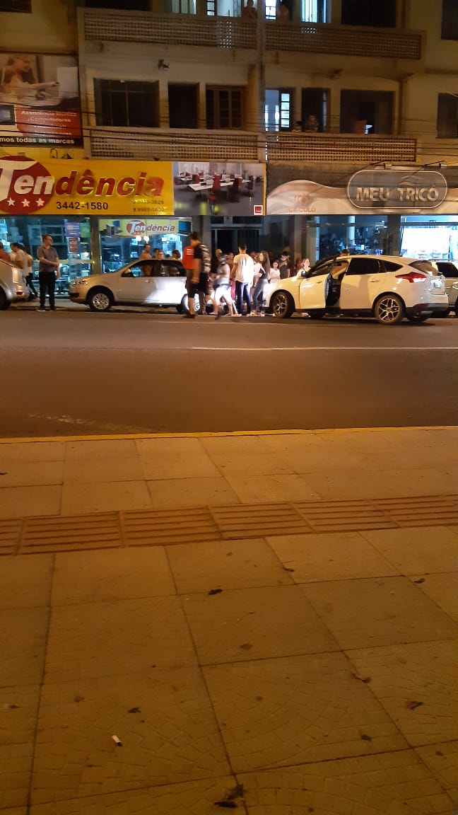 Motorista detido por estar dirigindo embriagado após acidente no centro