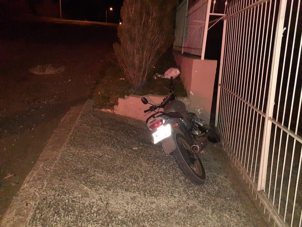Motociclista tenta fugir da Polícia Militar em Piratuba, mas acaba caindo e é detido