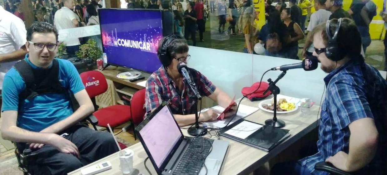 Rádio Aliança tem estúdio aberto para receber os visitantes na Expo Concórdia