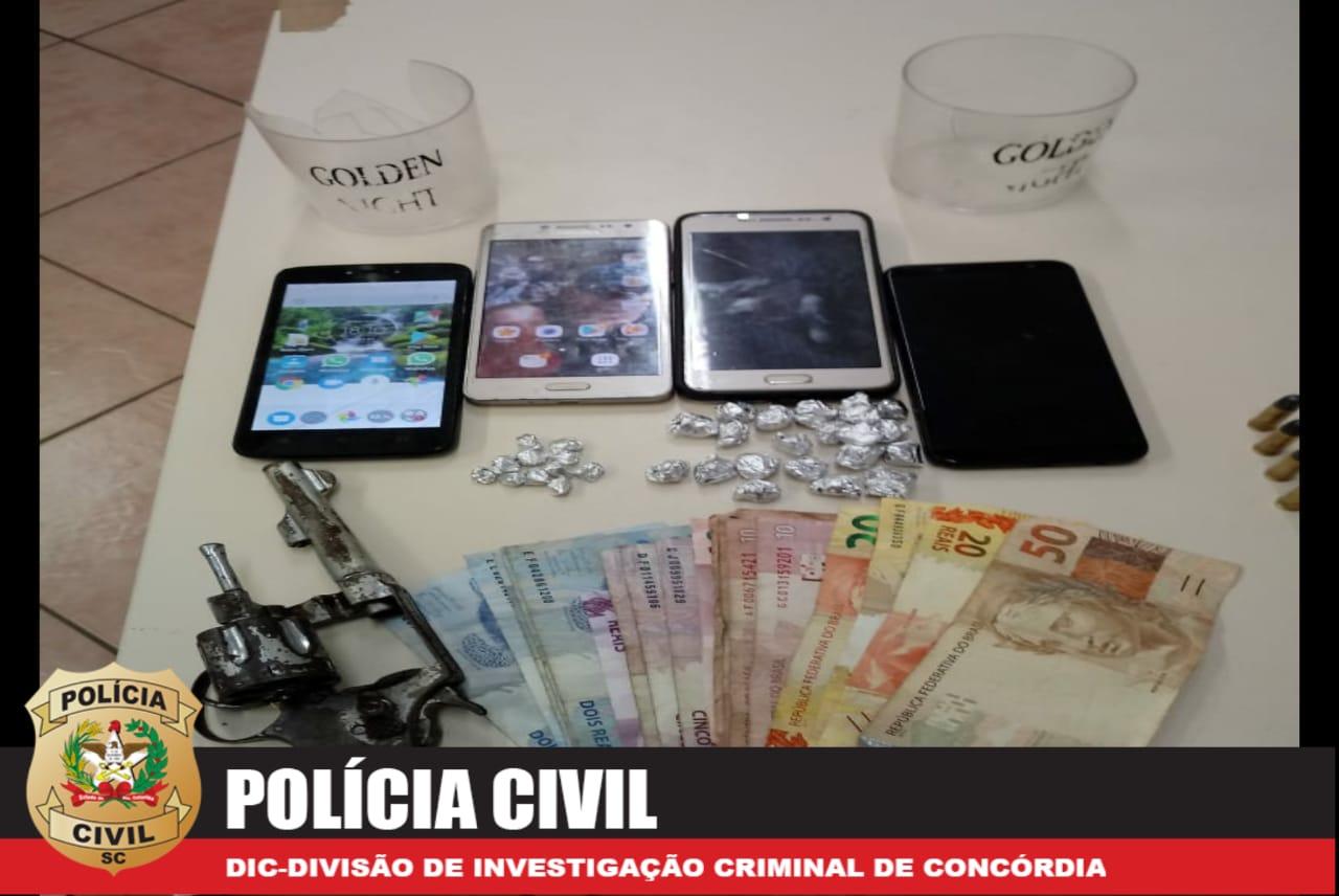 Mulher é presa no Vista Alegre suspeita de tráfico de drogas