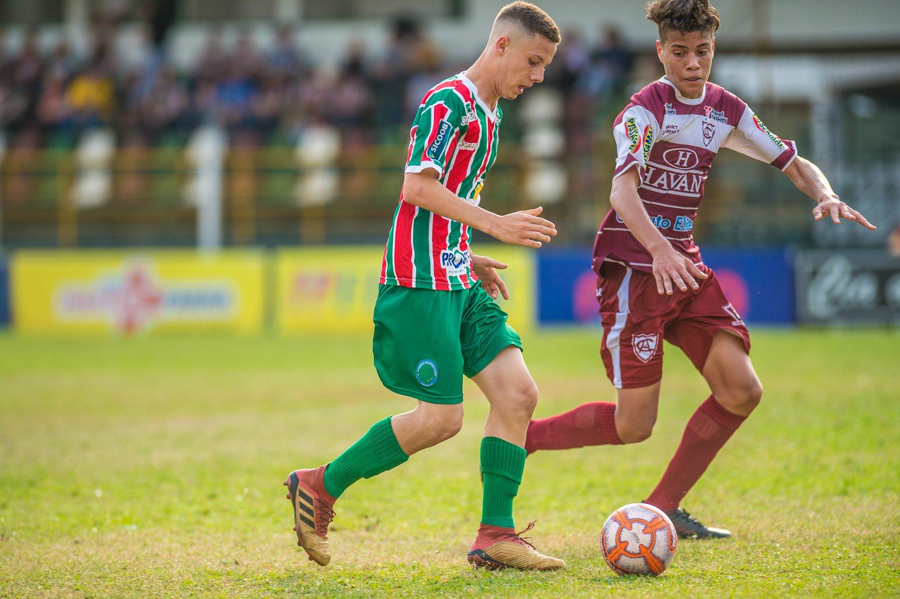 Sub-17 vence e assume a liderança do grupo B da Copa SC