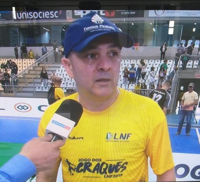Fininho é homenageado na segunda edição do Jogo dos Craques da Liga Nacional de Futsal