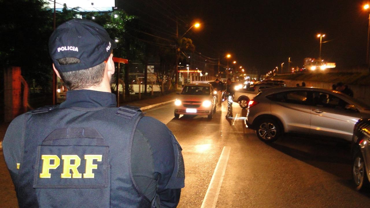 PRF flagra 463 motoristas dirigindo sob efeito de álcool nas rodovias federais em SC