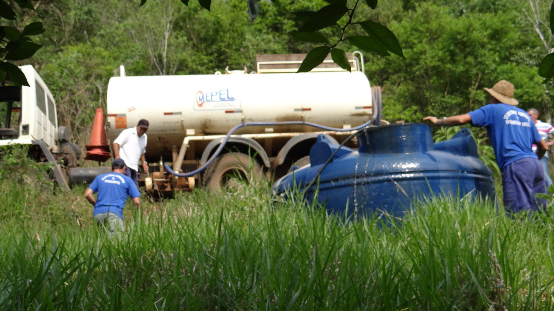 Aumenta a demanda por transporte de água em Concórdia