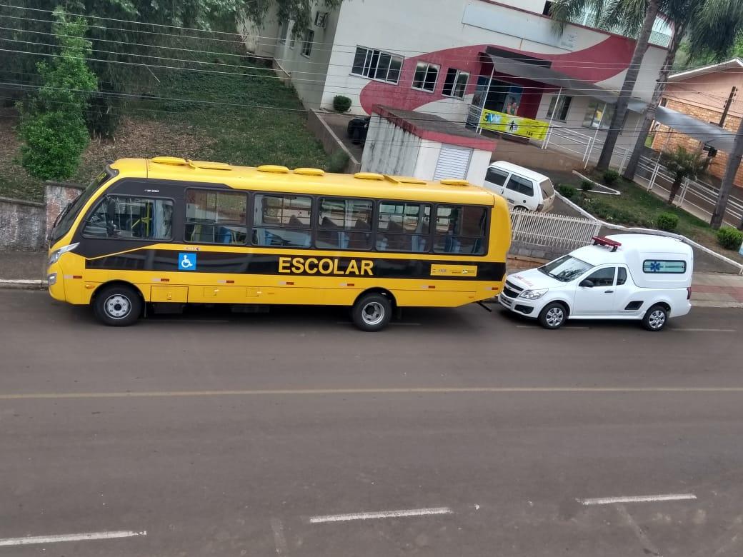 Lindóia do Sul recebe novo ônibus escolar e nova ambulância