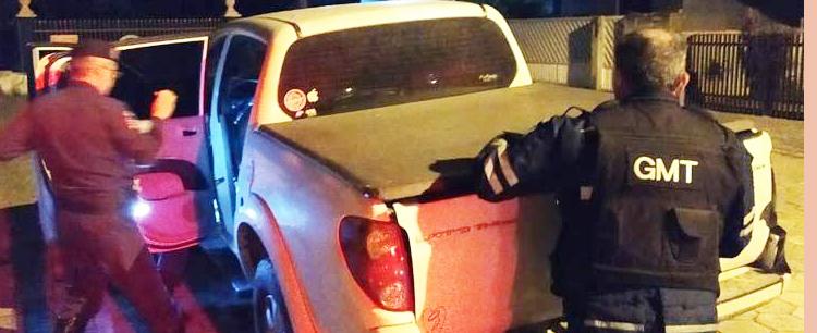 Caminhonete com placas de Concórdia foge de abordagem em Blumenau