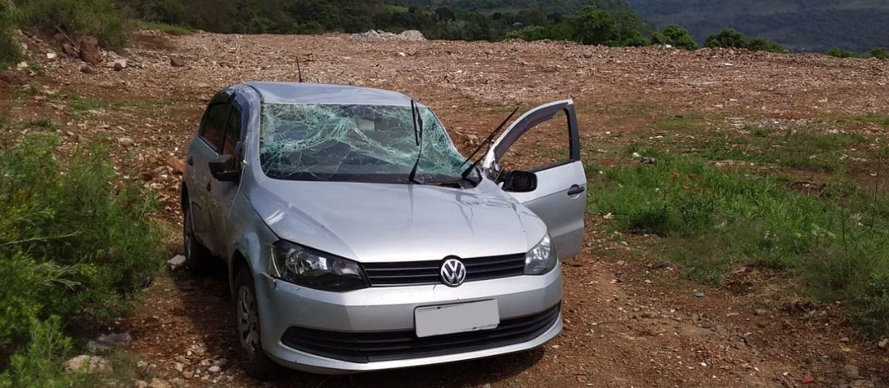 Veículo com placas de Seara capota em Chapecó