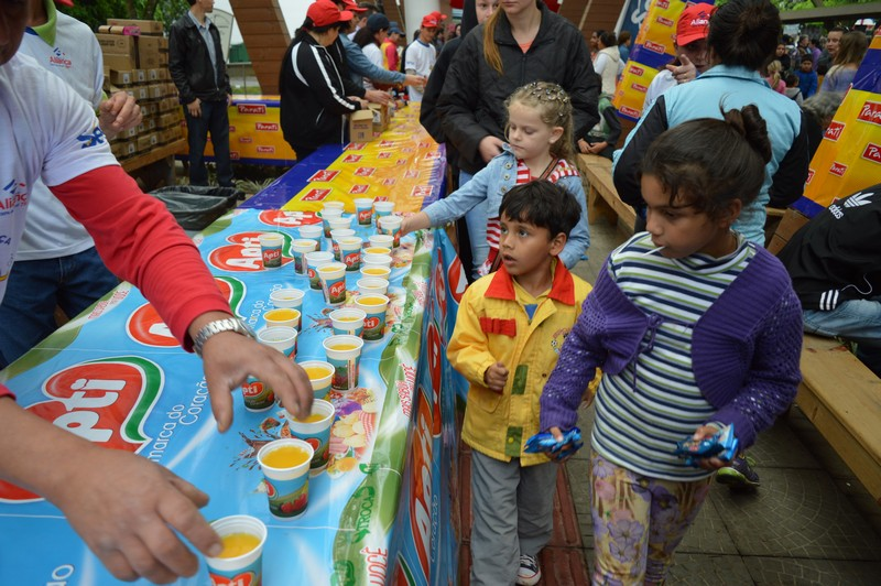 Apti Alimentos vai fornecer suco para as crianças e familiares no Criança Feliz Aliança