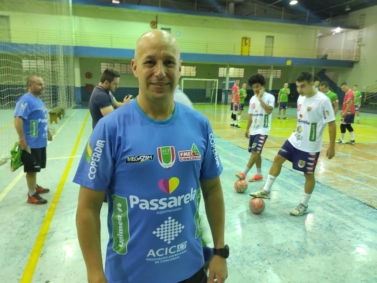 Acic apoia projeto das escolinhas de futsal
