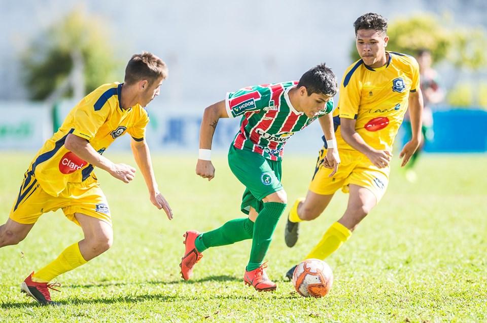 Sub-17 do Galo do Oeste recebe o Irmã Carmen pela Copa SC
