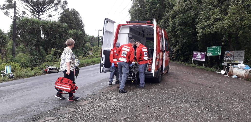 Motociclista ferida em colisão com veículo na SC 390