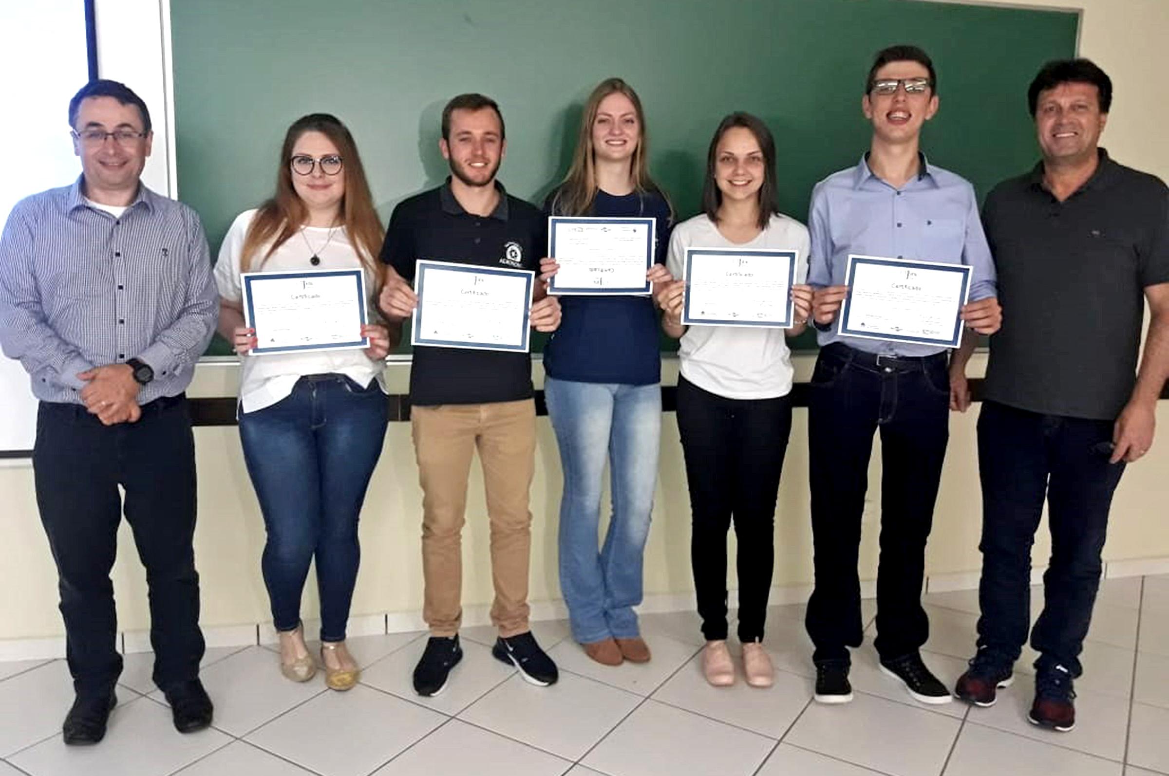 Melhores trabalhos são premiados na jornada de iniciação científica da Embrapa e UnC em Concórdia