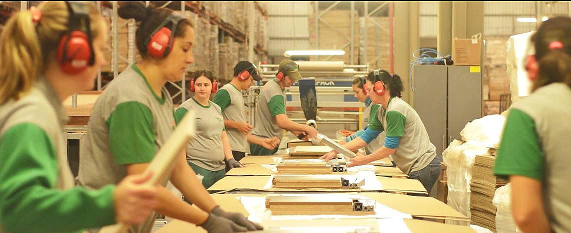 Empresa de Concórdia oferece vagas de trabalho para auxiliares de produção