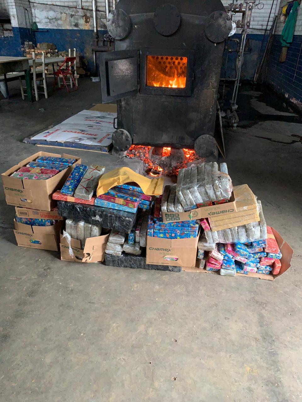 Duzentos quilos de entorpecentes queimados pela Polícia Civil de Concórdia