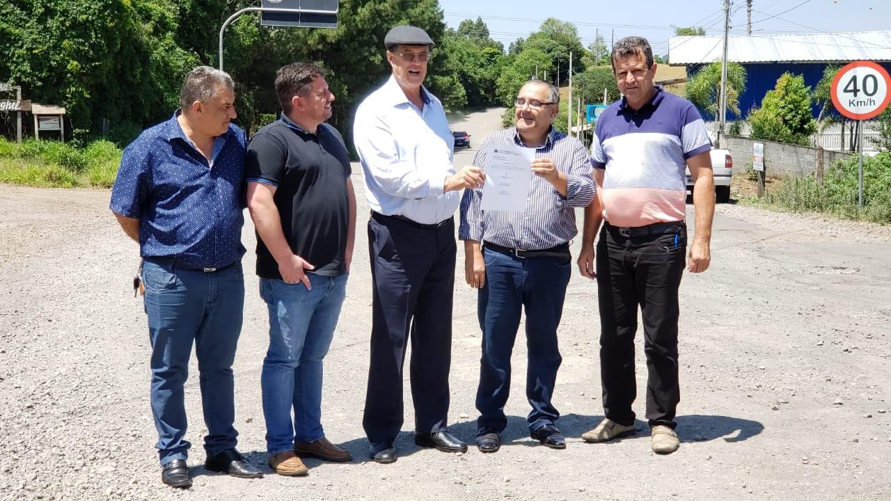 Contrato para início das obras de recuperação do asfalto do acesso à Usina Machadinho é assinado