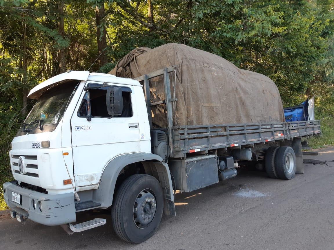 PRF de Concórdia flagra caminhão com carga de peças automotivas sem procedência comprovada