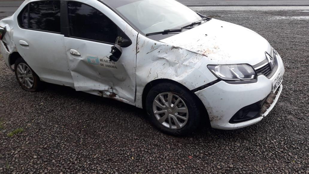 Somente danos materiais em acidente envolvendo veículo da Prefeitura de Jaborá