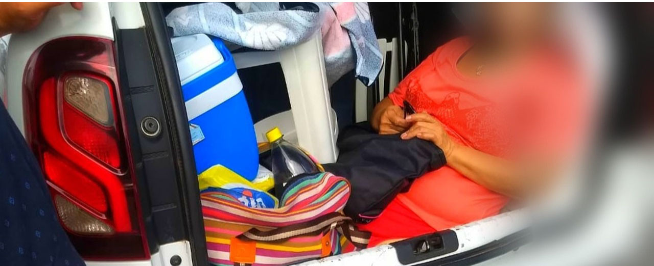 Sogra viajava em porta-malas de Duster que foi abordada pela polícia