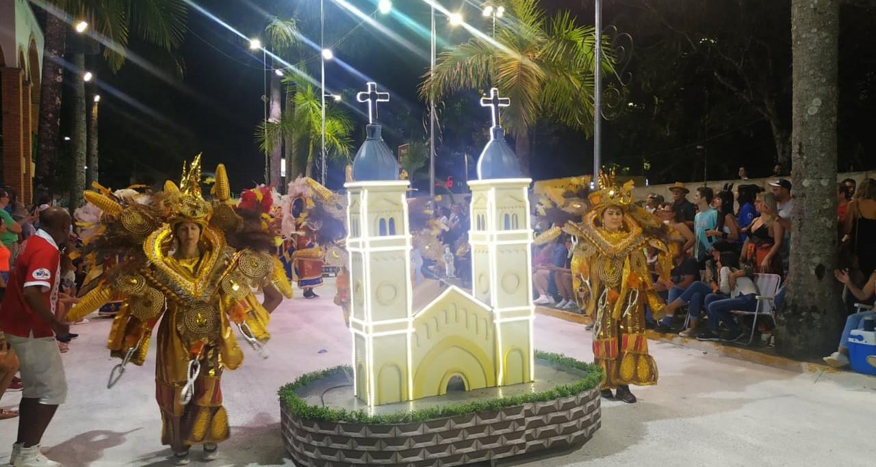 OUÇA: Cerca de 10 mil pessoas passaram pelo Carnaval Náutico de Itá