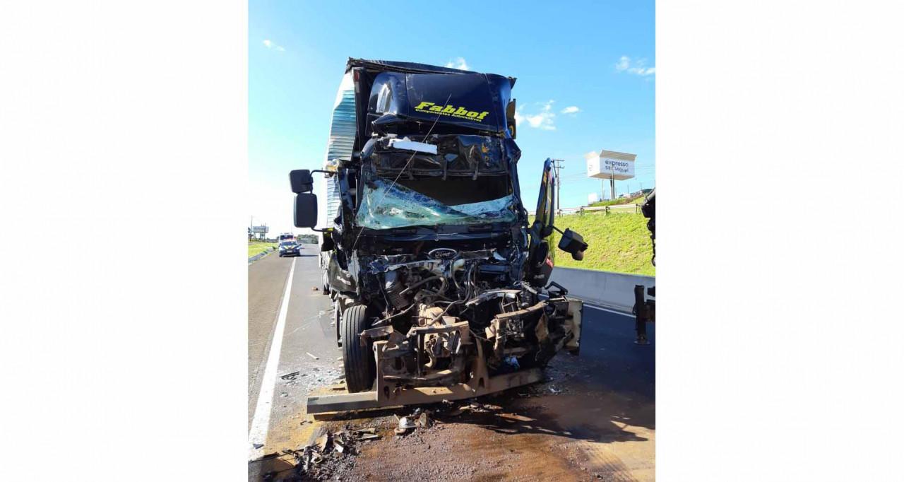 Caminhão de Paial se envolve em acidente em Chapecó