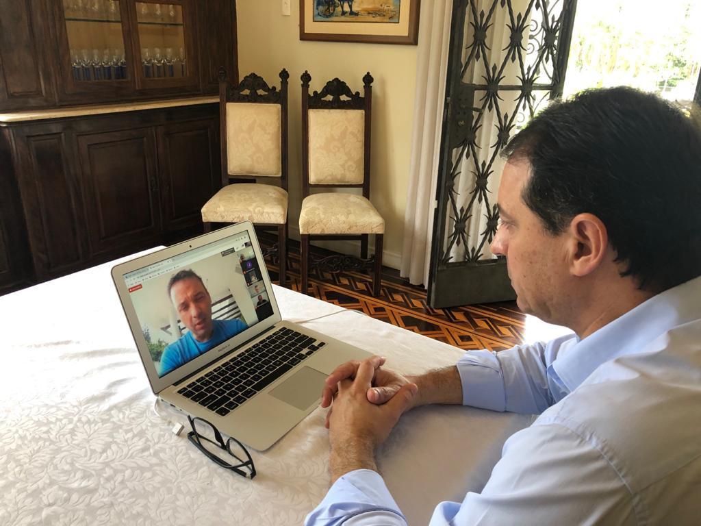 Governador Carlos Moisés sinaliza prorrogação de isolamento social no Estado em reunião com prefeito