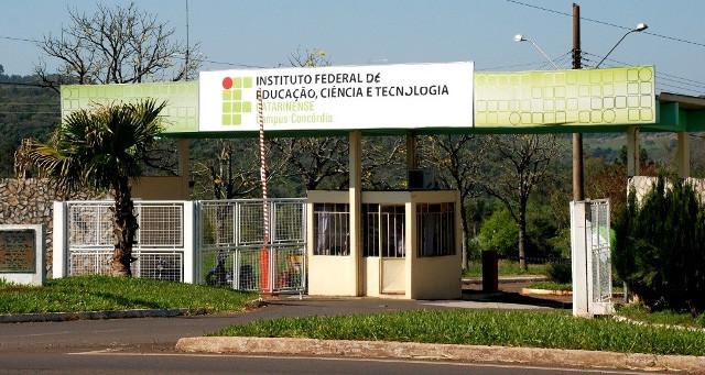 OUÇA: IFC suspende calendário acadêmico de 2020 até o dia 15 de maio