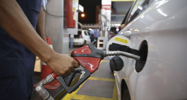 Valor da gasolina terá redução de 4% a partir desta sexta-feira