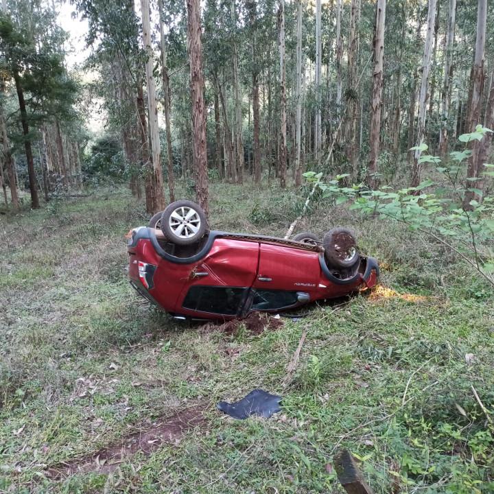 Saída de pista deixa motorista levemente ferido em Concórdia