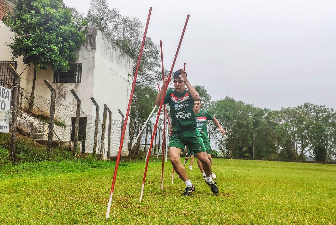 Sub-20 do CAC inicia treinamentos