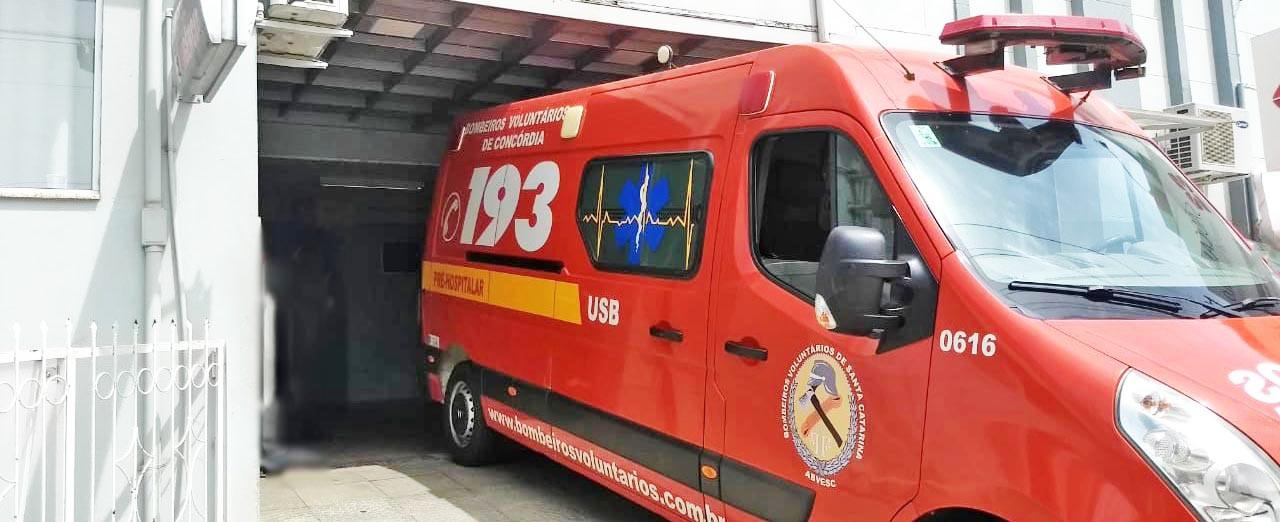 Homem que levou facada na cabeça em Piratuba no domingo segue internado em Concórdia