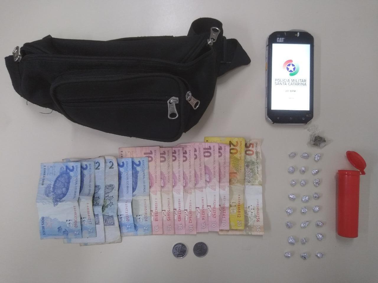 Polícia Militar apreende adolescente por tráfico de drogas em Concórdia