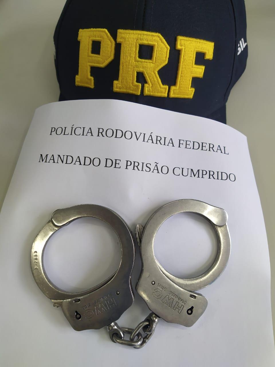 PRF cumpre mandado de prisão ativo para motorista de carreta com placas de Concórdia