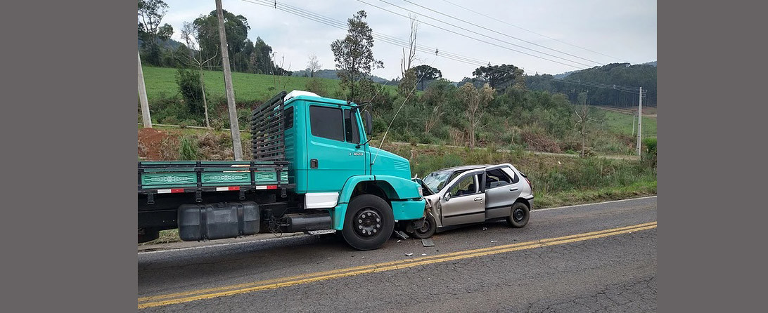 Grave acidente mata um e deixa quatro pessoas feridas em Água Doce