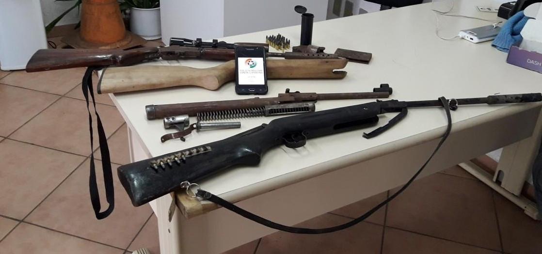 PM apreende arsenal de armas em suposta tentativa de homicídio