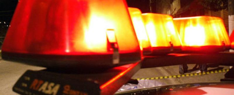 Mulher tenta agredir ex-companheiro com facas em Piratuba